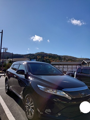 トヨタHARRIER(ハリアー)と紅葉の箱根